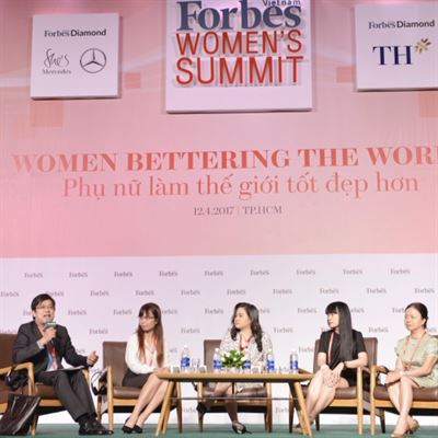 Trang Ha writer: Speaker of 2017y Forbes 's Vietnam Women Summit